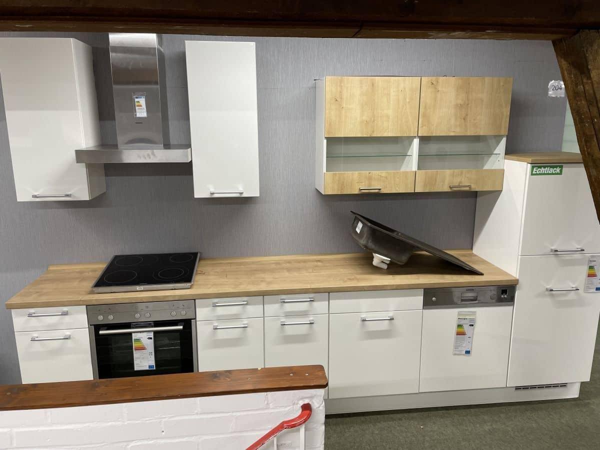 Ausstellungsküche - inkl. Geschirrspüler - Küchenfronten hochglanz Lack - LUX
