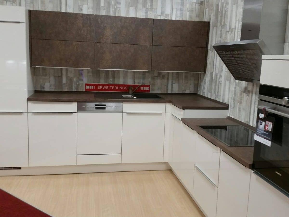 Eckküche 305 x 335 cm ultrahochglanz Lack - FOCUS